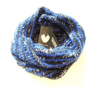 Steve Madden Accessories - NWT Steve Madden Knit Cowl Scarf